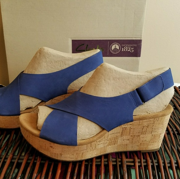 a0eb74c7fca4 Cute and Comfy Wedge Sandals by Clark Size 12M